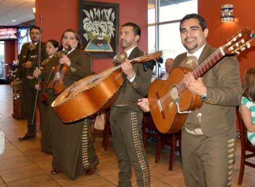 mariachis1